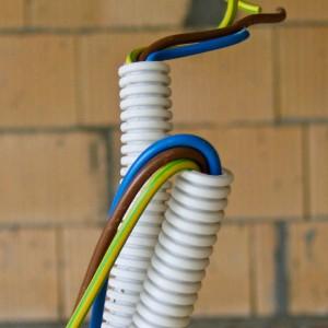 materiale folosite la instalatia electrica